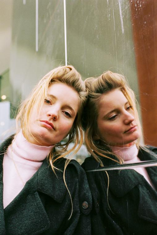 Emma Westenberg door  Sophie Hemels