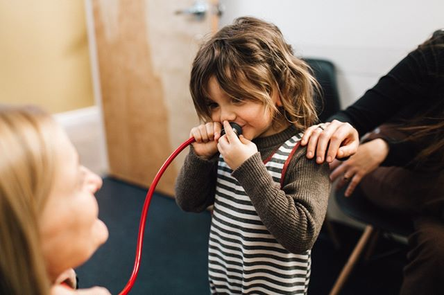 CAN YOU HEAR ME??!! Building trust is such a huge part of why pediatrics can be a challenge.  It's a special skill we are taught through experience.  It's also why seeing a pediatrician for urgent care matters.  We are kid experts. . . . PC:  @studiocastillero #pacificcrestchildrens #pdxmom #pdxdad #pdxparent #pdx #kidexperts