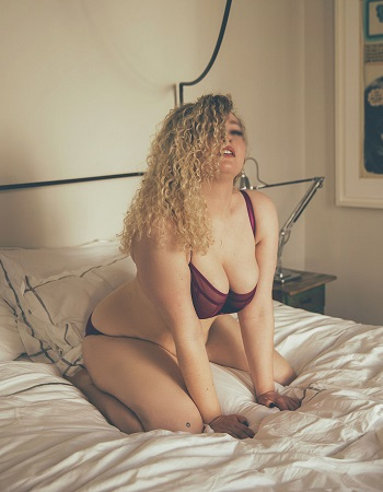 P  hoebe Huxley   Phoebe Huxley is a tall and curvaceous escort providing a sensual oasis in London. Lose yourself in intensely indulgent and genuine intimacy that you'll be replaying in your mind all week.