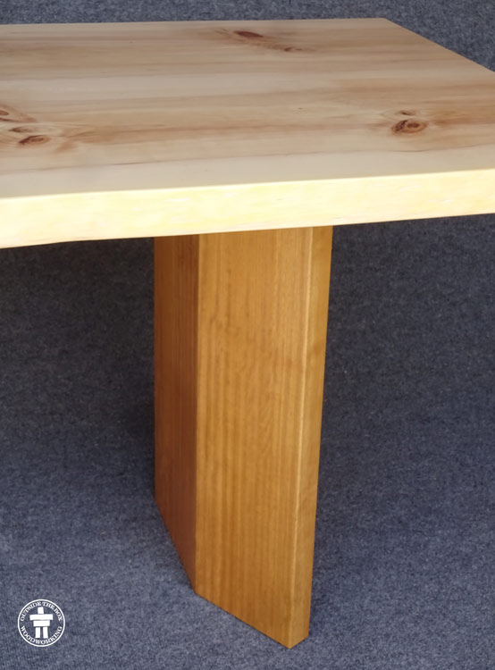 Table leg shape