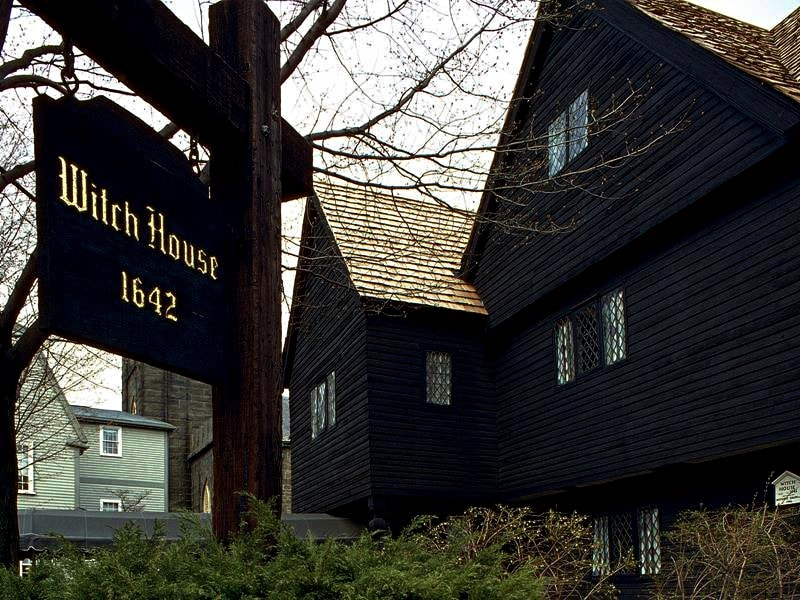 Beyond the Witches Spooks, Murder & Sinister Hauntings of Salem_Salem_Sidewalk-min (1).jpg