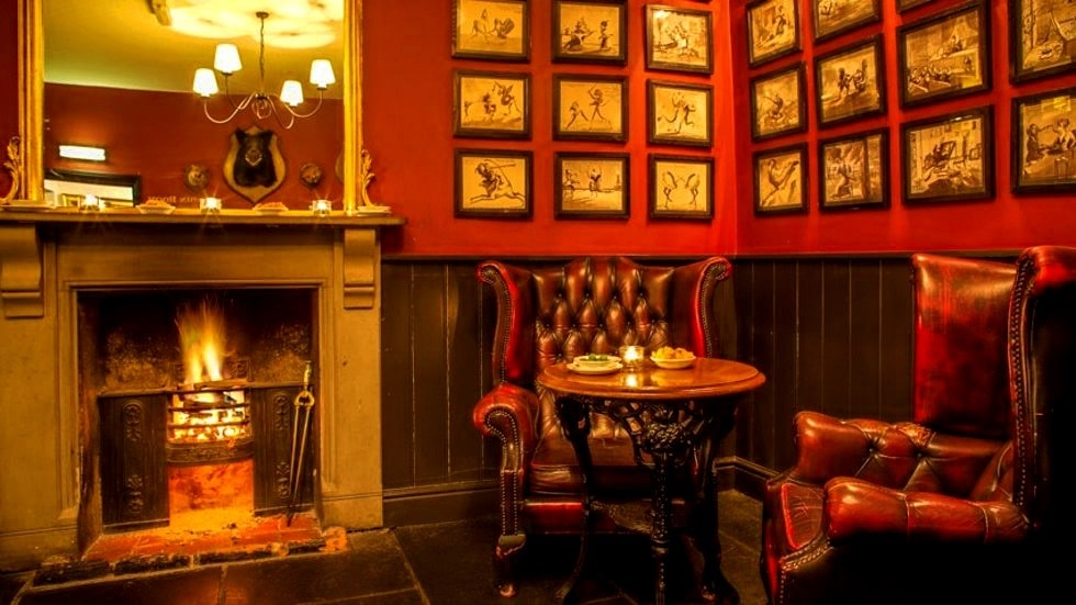 6 Cozy Pubs for a Cold Winter Night -min.jpg