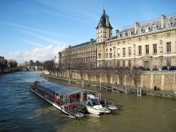 PARIS BOAT TOUR - See the romantic Paris city highlights and famous monuments as you float along the Siene River.