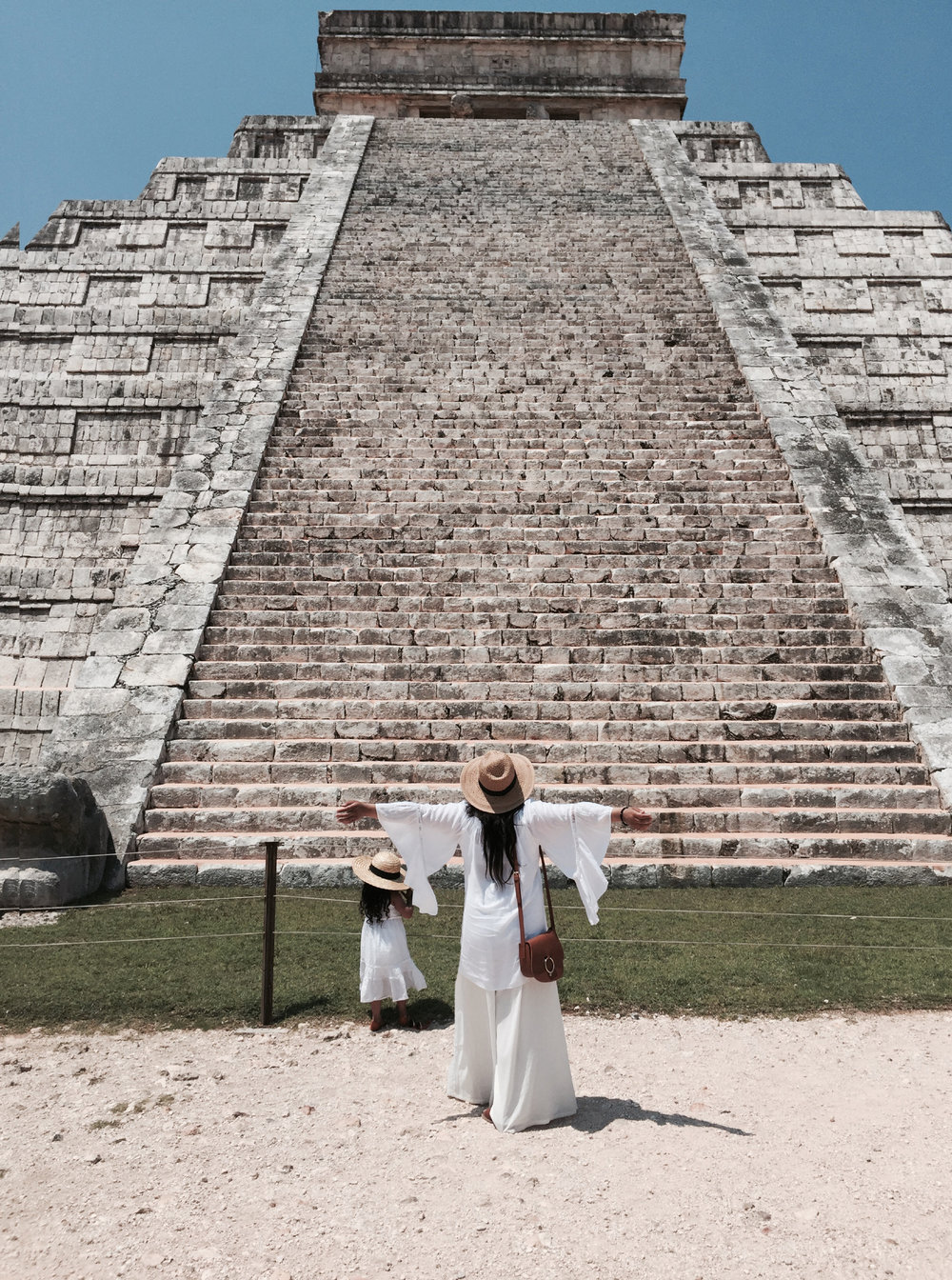 CHICHEN ITZA RUINS {Yucatan} - One of the new 7 wonders of the world.{Tip: Another