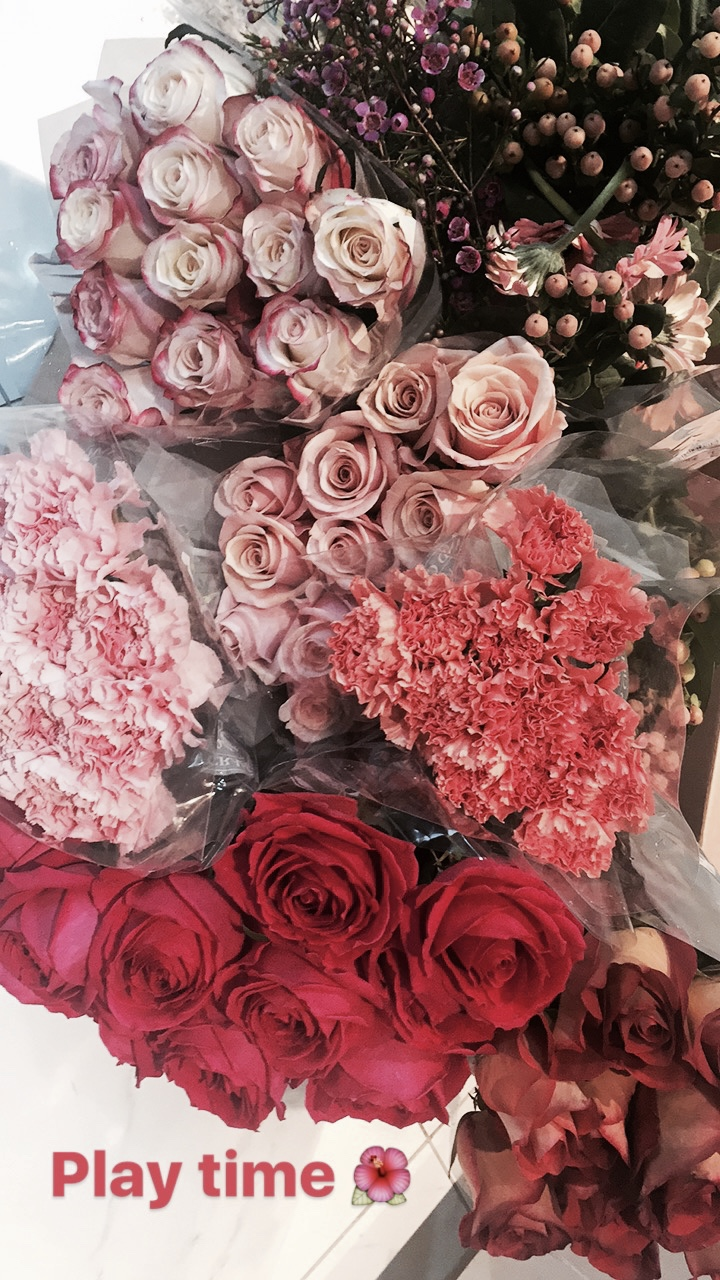 step 1: pick your florals  DEPENDING ON THE COLOR PALETTE OF THE PARTY OR THEME YOU ARE GOING FOR, PICKING FLORALS HELPS YOU DECIDE HOW TO ARRANGE EVERYTHING TOGETHER. i love to set out a color scheme first, this helps me decide exactly what florals i will need, i save pictures on my phone of a variety of floral arrangements to help & guide me. also, knowing what flowers are in season, is of great help. you don't want to pick a whole floral arrangement based on peonies, and only to find out it's not peonies season! (yes, it's happened to me!)  here are some of my tips for the perfect floral arrangement:  1. statement florals (the main focal flowers you want to pop-this will help you get a base so you can work around them, usually mine is my favourite garden rose)  2.IN-BETWEENS (florals to fill the in-between spaces, such as carnations, peonies, camellias). try opting for larger flowers so you don't to buy as many while keeping it soft and minimal.  3.fillers- (small florals to add texture and combination to the floral arrangement, i love to use berries or other fun options like so,to add a unique touch)