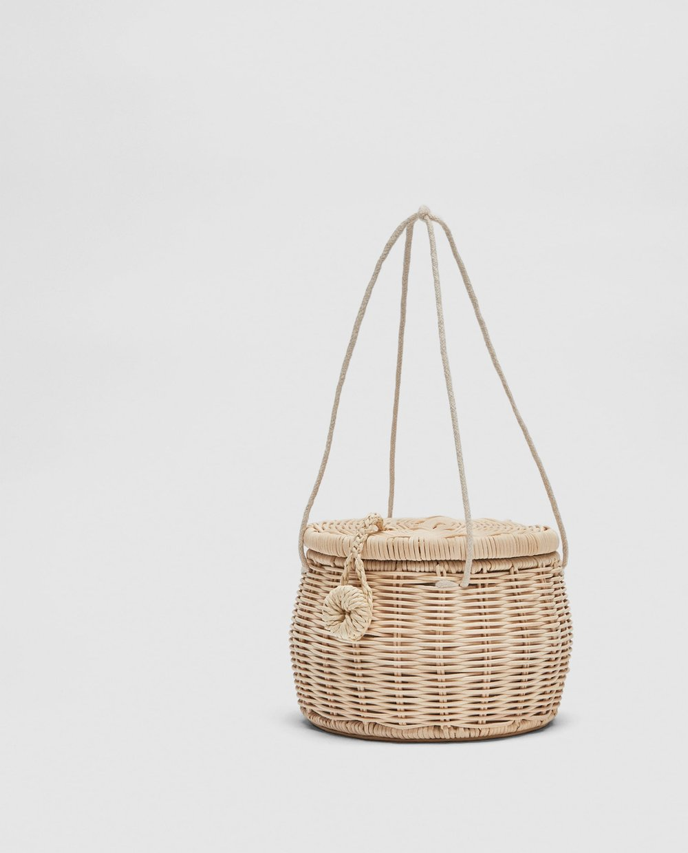 THE PICNIC BASKET BAG    the cutest trend for 2017! This super adorable bag will sure be a conversation piece. a cute picnic basket style will create a show stopping statement!