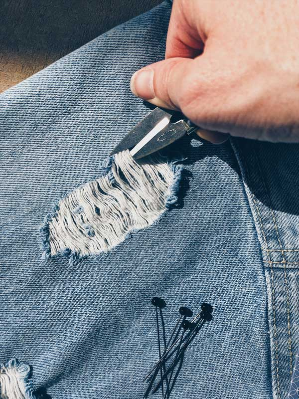 1. Trim away the loose threads -