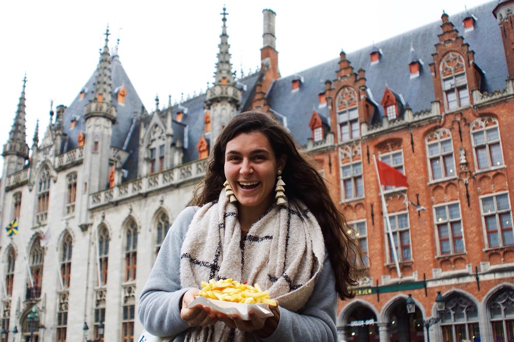 Brugge, Belgium 11.06.17  Belgian fries in Belgium...is there anything better?! Shop my favorite BaubleBar tassel earrings this season  here!
