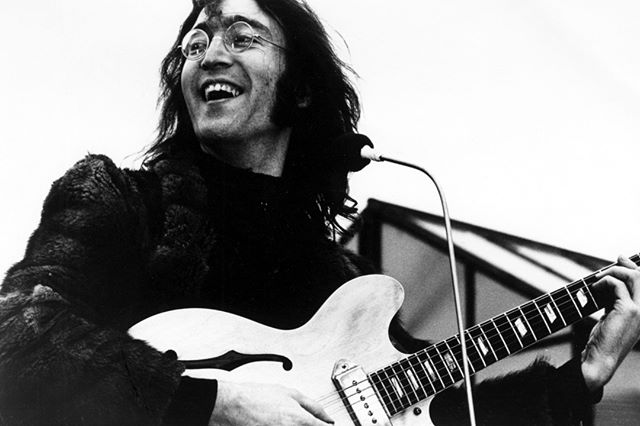 My role in society, or any artist's or poet's role, is to try and express what we all feel. Not to tell people how to feel. Not as a preacher, not as a leader, but as a reflection of us all. - #JohnLennon ⠀ 🔳⠀ .⠀ .⠀ .⠀ .⠀ .⠀ #musicbusiness #indiemusic #musicindustry #diymusician #musicblog #musicadvice #newYork #brooklyn #NYC #unsigned #unsignedartist #Friday #icon #inspiration #60s #70s #musicicon #rockgod #thebeatles @thebeatles #quote #inspiring #motivation #music #musicquote #classic