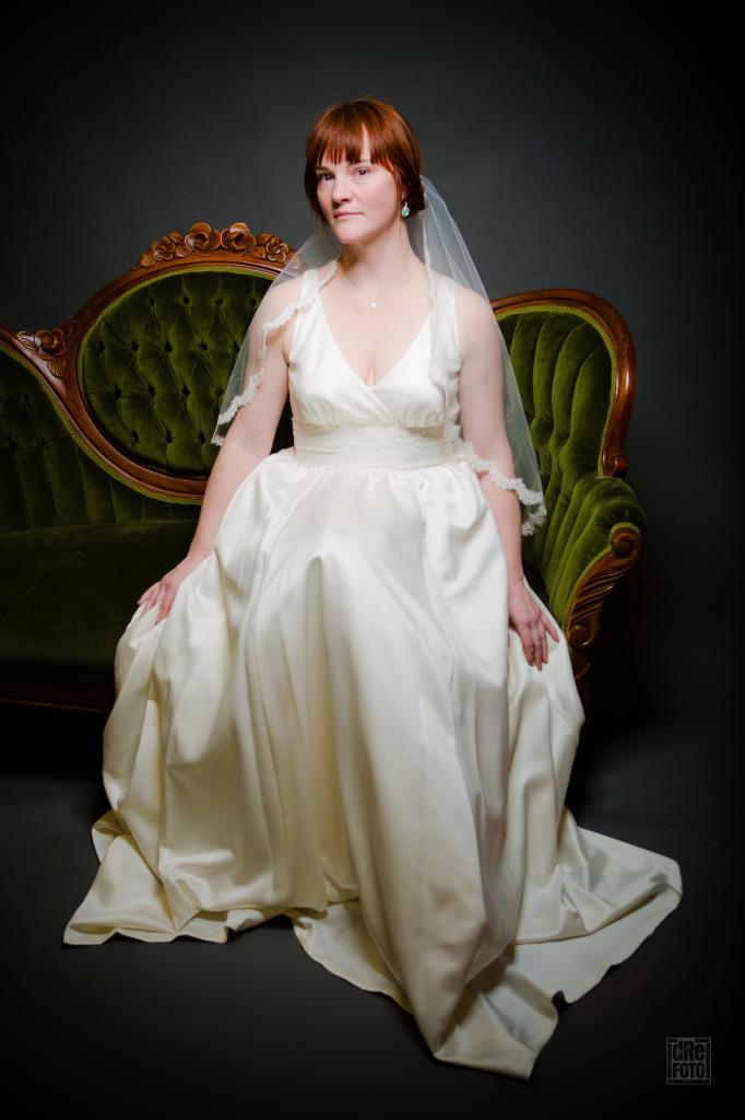 Jennifer Leigh - Veil.jpg