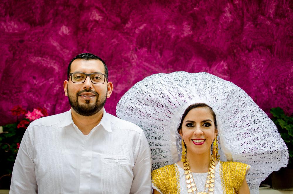 Boda en Hacienda San José Actipan e Iglesia de San Francisco Acatepec - En la temporada de bodas en primavera de este año, decidí documentar un poco como es mi proceso de hacer las fotografías de los preparativos antes de la ceremonia.