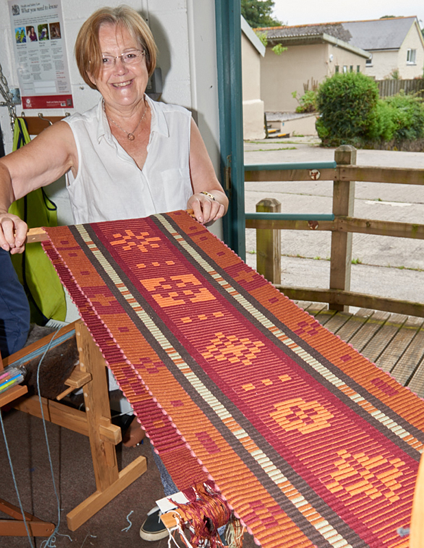 2523-Weavers and ProjectsSep 05 2016.jpg