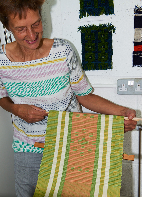 2535-Weavers and ProjectsSep 05 2016.jpg