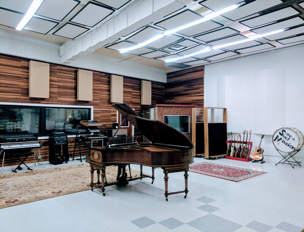 Live A Bechstein to Control Room.jpg