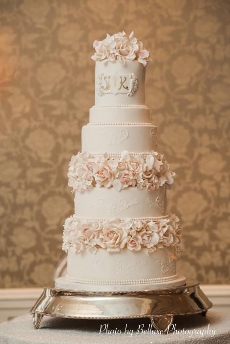 elegant-wedding-cake-Vancouver-1-471x705.jpg