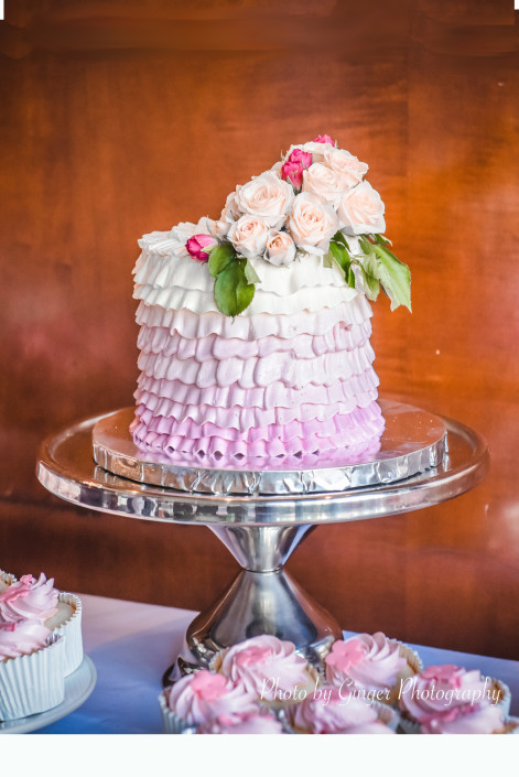 Vancouver-wedding-cake-cupcake-table-1-471x705.jpg