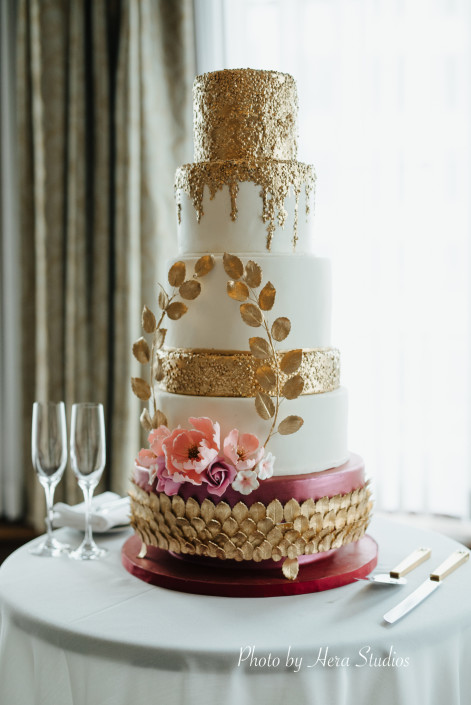Vancouver-wedding-cake-Gold-1-471x705.jpg