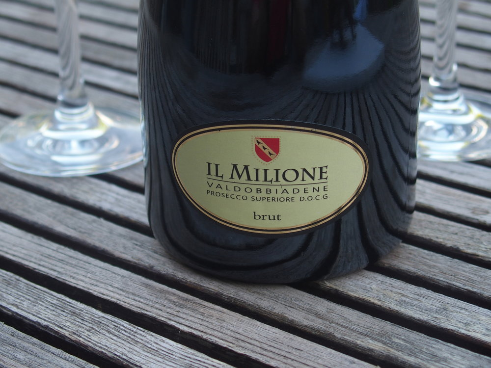 - Il Milione Extra Dry is a Prosecco with great fruit but a dry finish,It is fantastic as an aperitif with or without antipasto