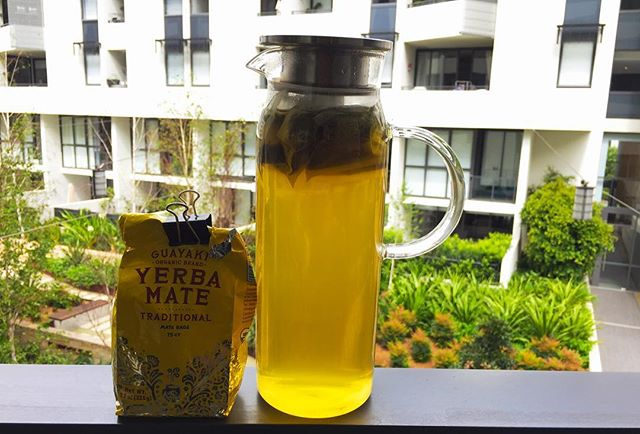Yerba mate cold brew tea is an awesome alternative to sugary drinks and coffee (for its taste and health Benefits). Couldn't get in it Australia in bottles so I decided to hack/DIY it myself. . . . . #yerbamate #yerba #coldbrewtea #antioxidants