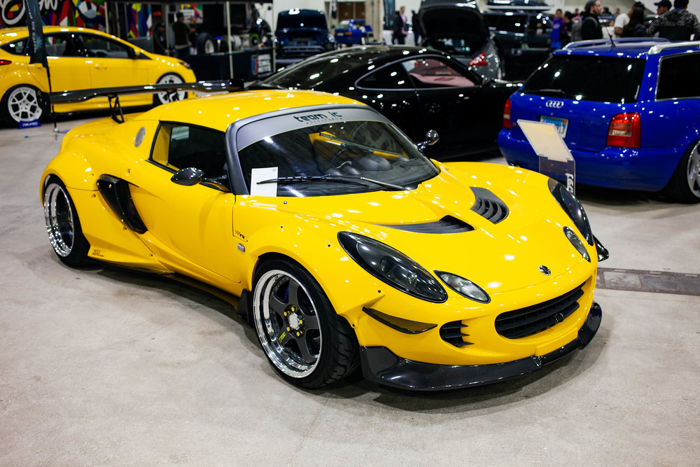There were a few very cool Lotus Exige at this Wekfest. Something I haven't seen in person. It is one of the few cars that I think a widebody really accentuates the stock lines if done correctly.