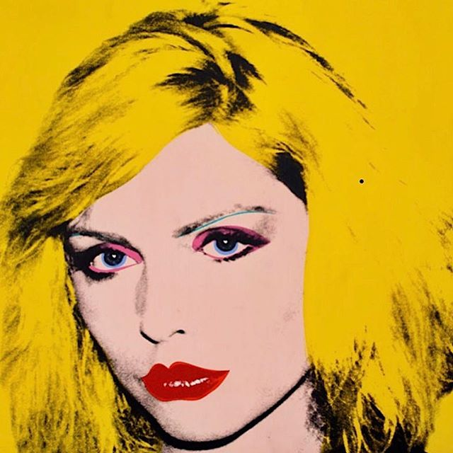 Socialite realism #AndyWarhol / Debbie Harry 1980 in Andy Warhol From A To B And Back Again @whitneymuseum curated brilliantly by @donnaharrington56. . . #peoplewholikepeople #thepeoplewelike #debbieharry #americanicons #pulpfiction #works #blondie #glamour #ofourtime #whitneymuseum #artadvisor #artadvisory
