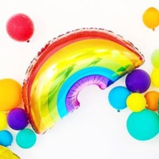 Happy Monday! 🌈 Have you seen the new balloons in our shop? Go check 'em out!