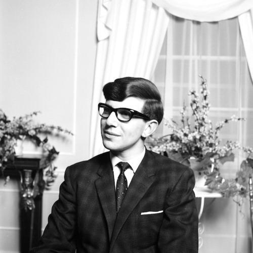 Un joven Stephen Hawking en 1963