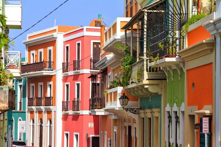 PuertoRico_San+Juan_GettyRF_545101040_dennisvdw_Getty+Images.jpg