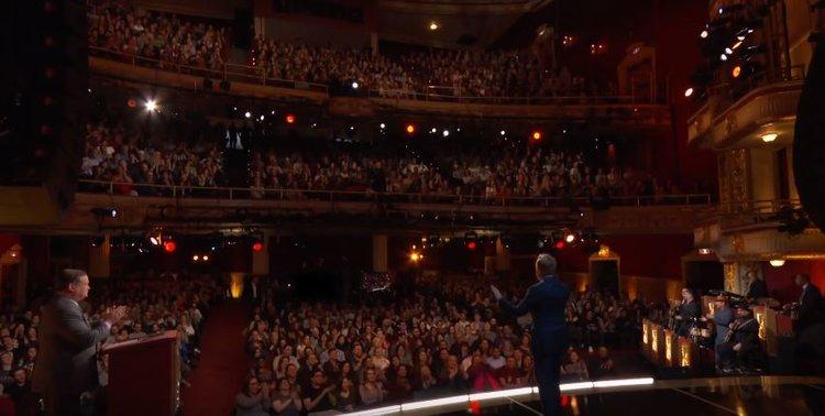 Foto: TBS Network - Así lucía el teatro, Estaba completamente lleno.