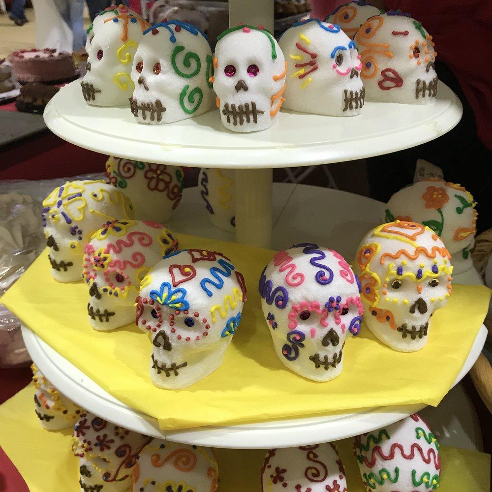sugar-skulls-3723429_1920.jpg