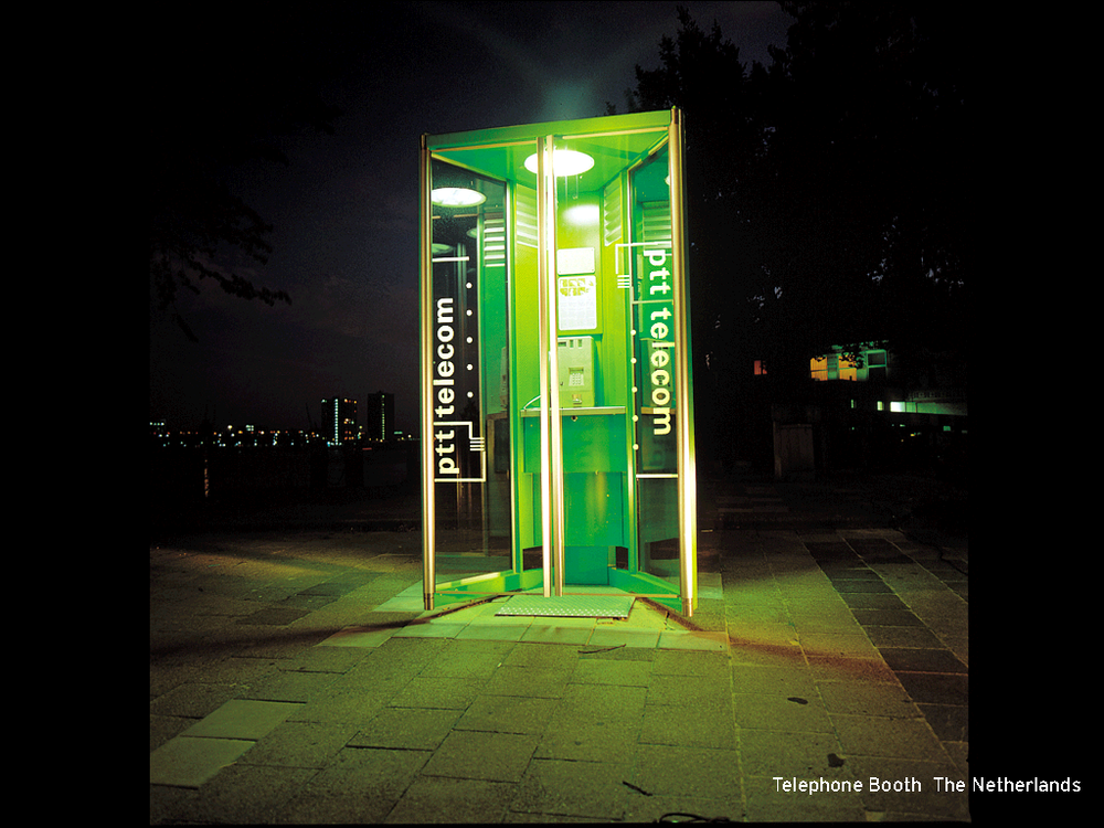 StudioDumbar_ppt_Telephone Booth.png