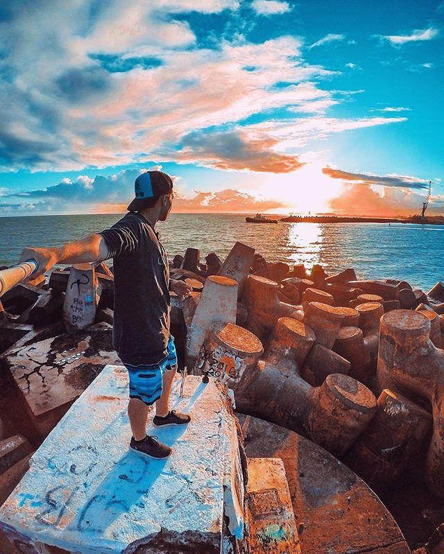 "Caught the sunrise on North Shore 🌄🌊🏗 . . . ""GoPro Take A Photo"" 📷🙌🏼 . #gopro #maui #kahului #gopole #sunrise #beahero #sunset #goprophotography #venturehawaii #betheaction #hawaii #goprohawaiilife #mauilife #hero5 #hawaiisunrise #808 #dakine #stokedhawaii #northshore"