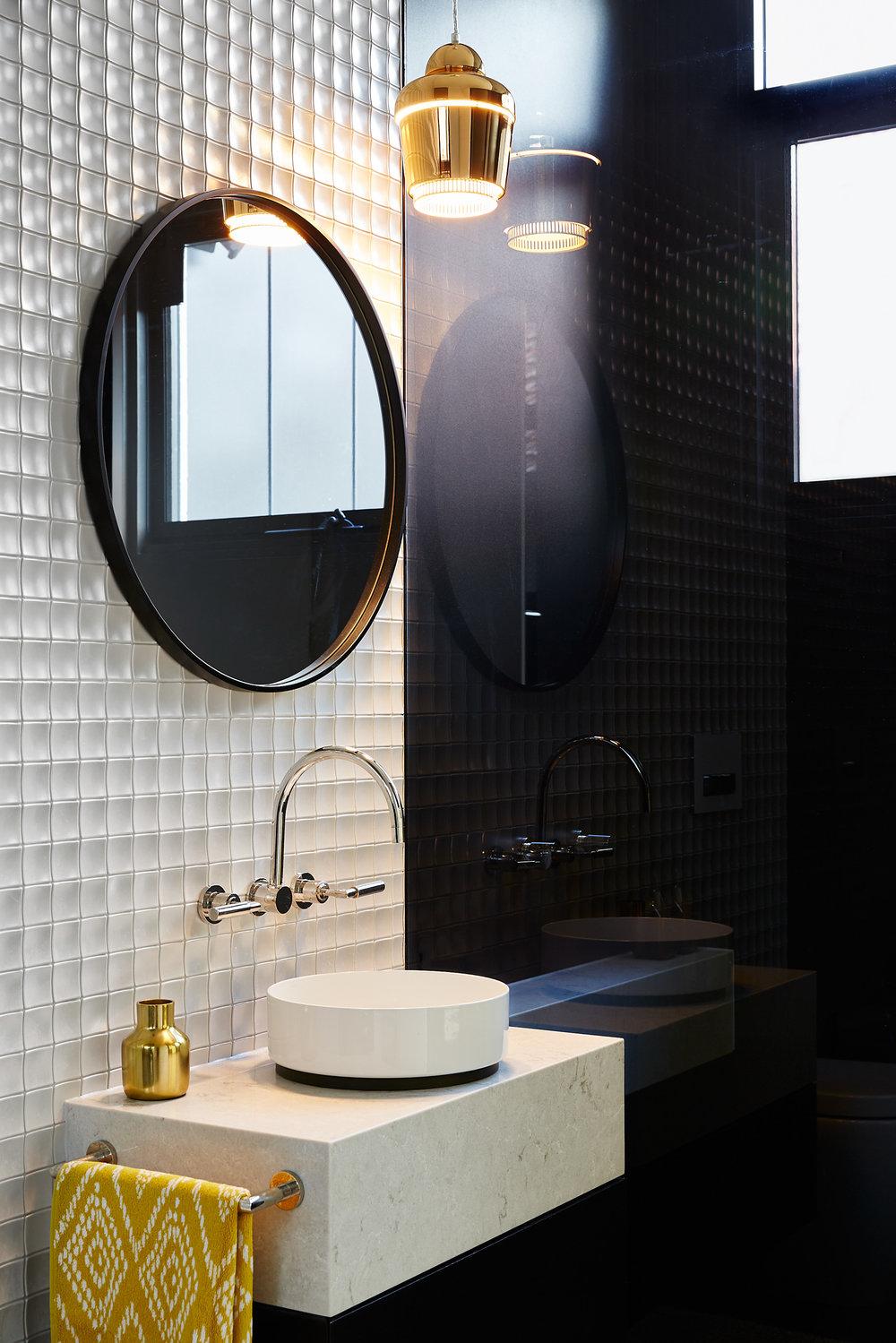 170518_Barlas_Eastgardens_Bathroom1_015.jpg