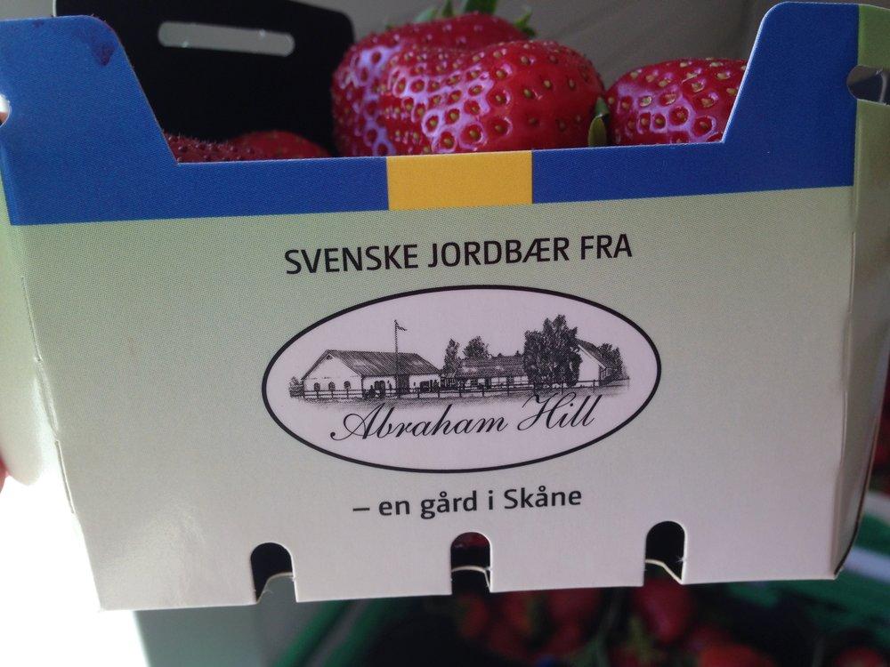 Jordgubbar från Abraham Hill som säljs i Norge.
