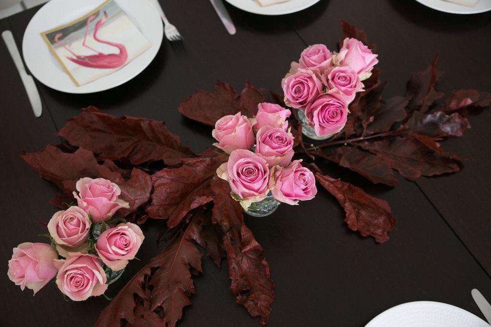 bordsdukning host rosor lov.jpg