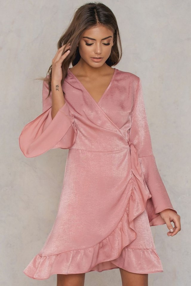 qontrast_satin_wrap_dress_1533-000079-0115_01j.jpg