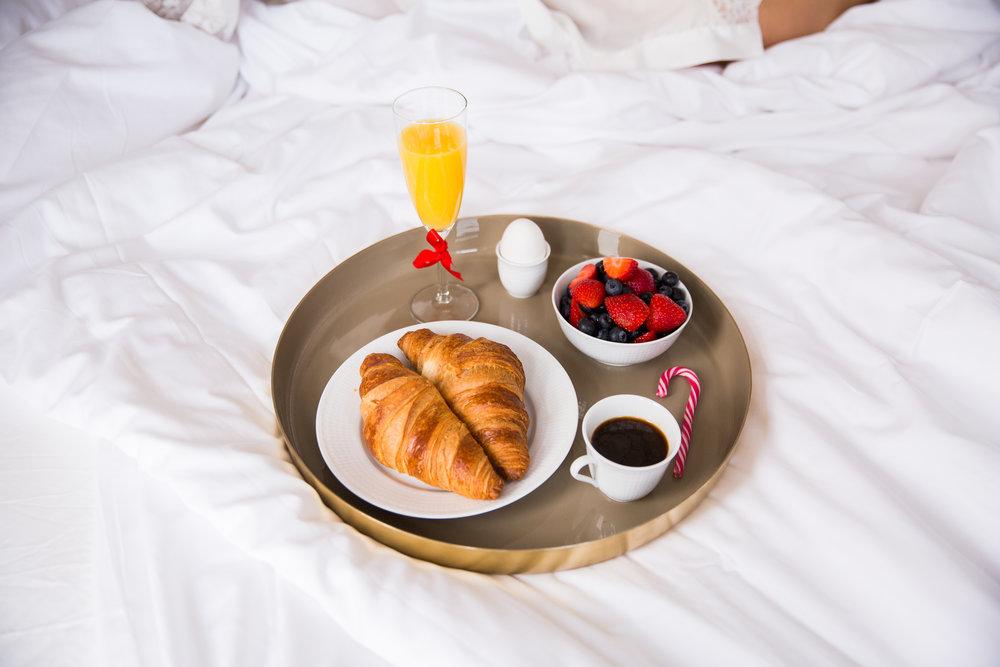 frukost pa sangen Bloomingville bricka.jpg