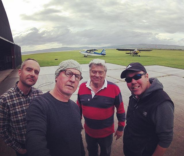 hanging with the homies  #glidingclub #aviation #aviationenthusiast #hangar #learntofly #northernireland #northcoastni #gliding #clubhouse
