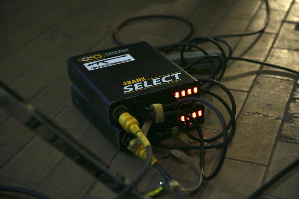 Utöver att ha kontroll på ljuset inför en inspelning så måste teamet tänka till, även när det kommer till hur mycket kabel som behövs.