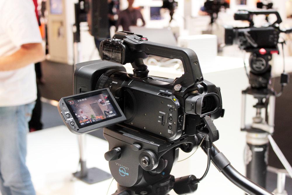 Canons XF405 kan ni läsa mer om i ett kommande nummer av Monitor.