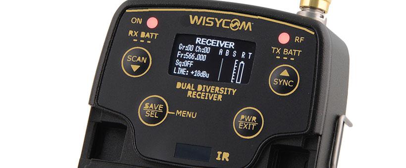 Och vid en titt på kontrollpanelen finns bland annat en dedikerad frekvensskanner.