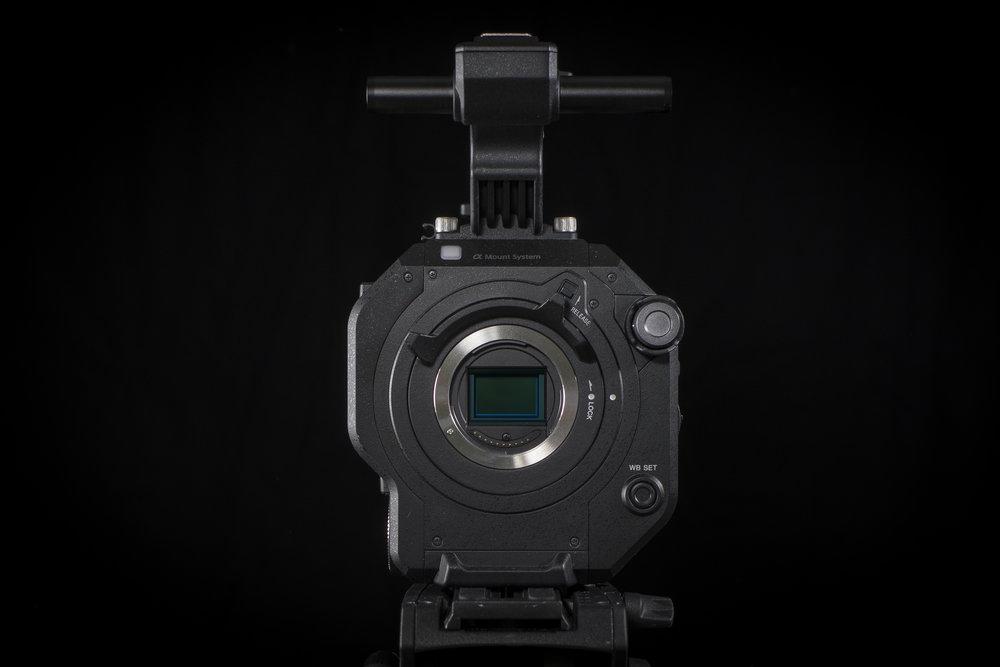 Sony PXW-FS7II har en Super35 Exmor CMOS, en sensor med upplösning på 11,6 millioner pixlar.