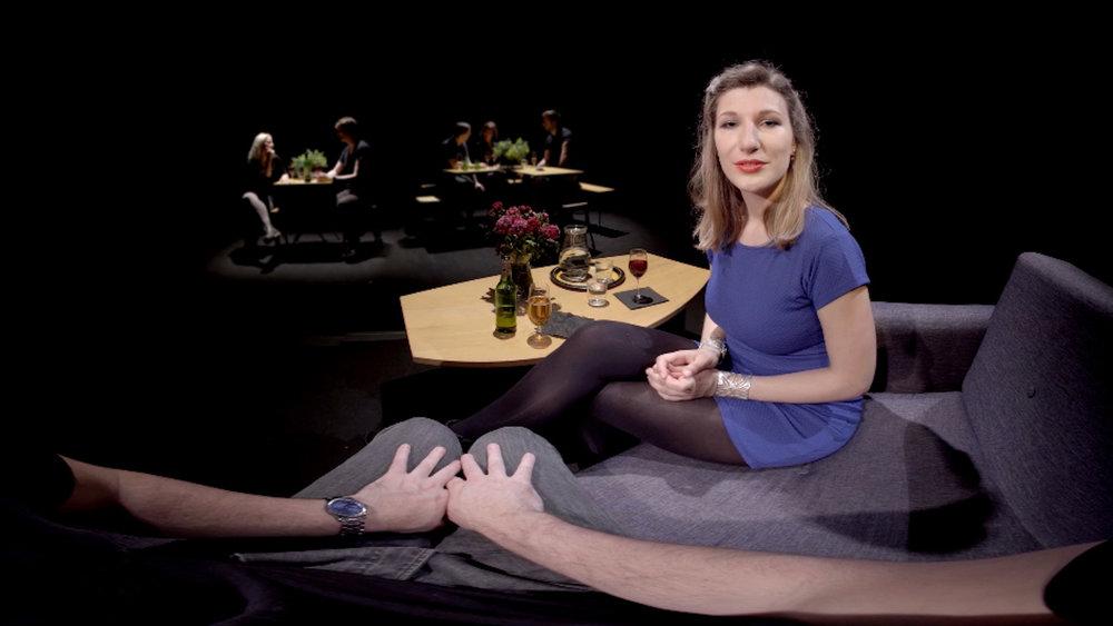 Med  In My Shoes: Intimacy  ville Jane Gauntlet undersöka förtroende och närhet, och i VR-upplevelsen inbjuds två främlingar att sätta sig nära varandra i en virtuell värld. I ljudbilden förde Oliver och teamet personerna allt närmare varandra, samtidigt som ljudet omkring dämpades gradvis.