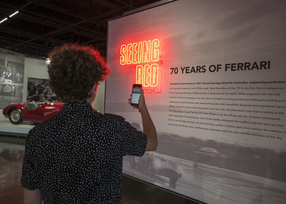 Petersen Automotive Museum i Los Angeles, en institution med unika bilutställningar, har valt att använda sig av LinkRay-teknologin för att locka en mer varierad publik.