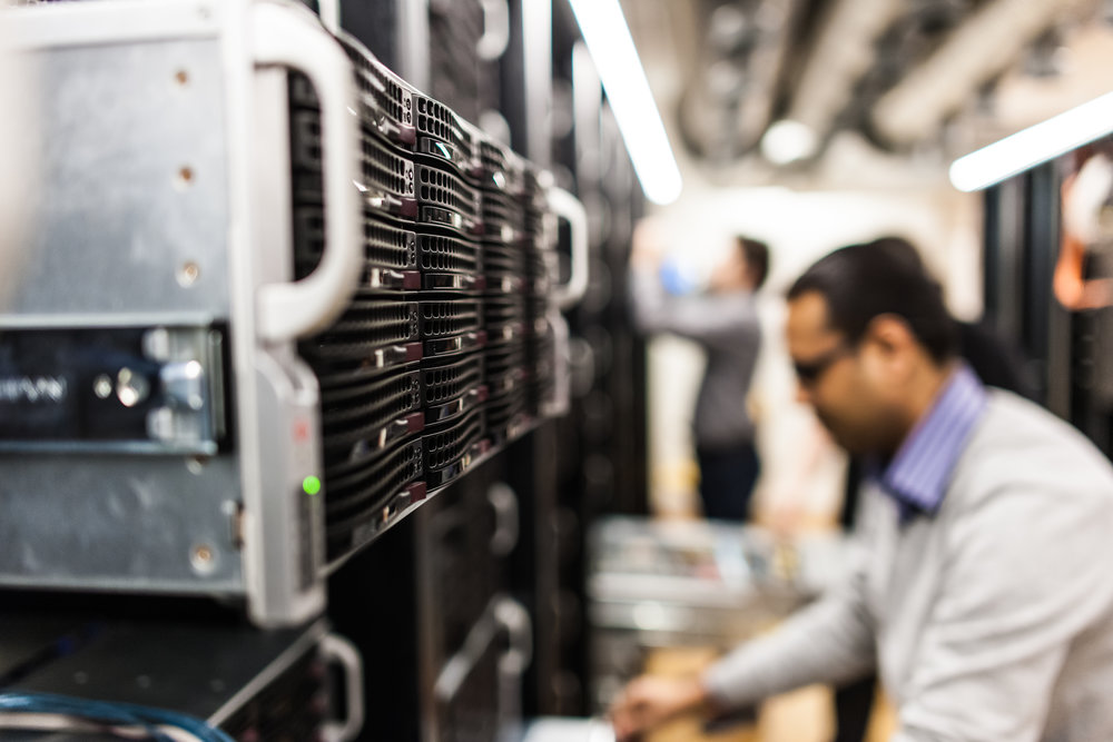 Man erbjuder inte bara en typ av datalagring, utan samtliga av de tre lagringstyperna – blocklagring, objektlagring och fillagring – i en och samma produkt, berättar Carl-Henric.