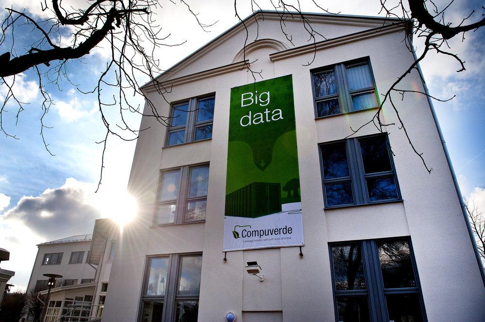 Från kontoret i hemljuva Karlskrona tittar man på Compuverde i dag inte längre enbart ut mot IT- och telekom-tätorten Karlskrona, utan mot horisonten och hela omvärlden.