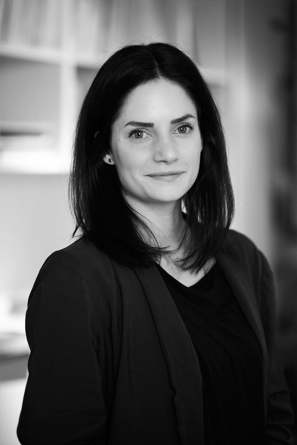 Anna Ekberg, ljusdesigner/inredningsdesigner på Black Ljusdesign.