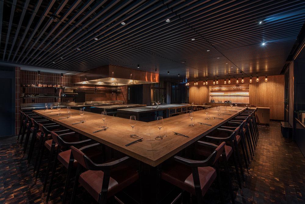 Trots att restaurangen i de nya lokalerna breder ut sig över hela 515 kvadratmeter, är antalet matgäster precis som före flytten begränsat till 23 åt gången. Småskaligheten och helhetsupplevelsen är nämligen en del av affärsidén.