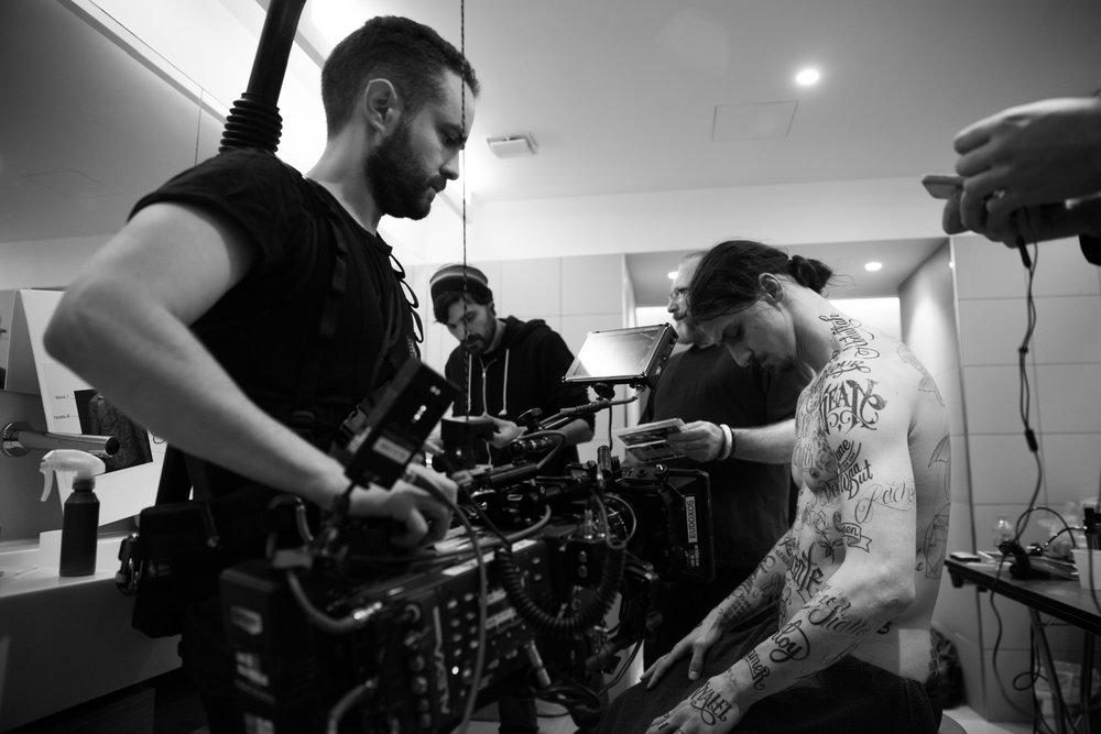 Niklas under ett projekt med Zlatan för FN och WFP. Utrustning: Alexa med Anamorf-linser.