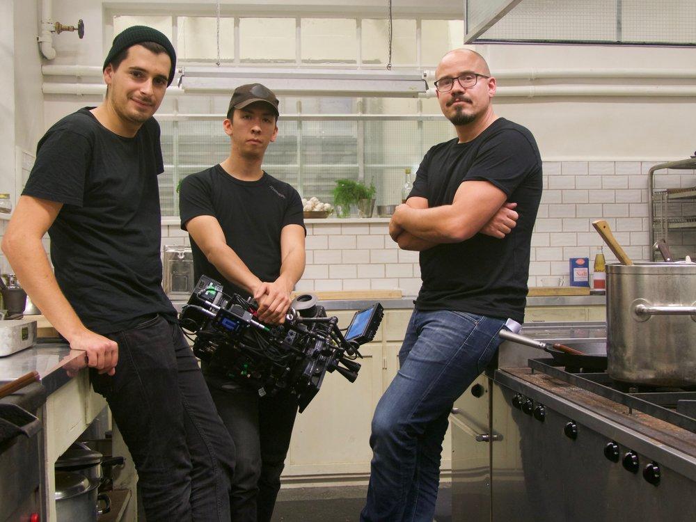 André Ferreira Barbosa, C-foto, Alex Kristoffersson, B-foto och Ola Magnestam, A-foto i Calles kök.